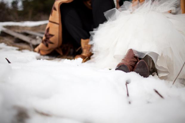 ©Ingrid Lepan Photographe - seance apres le mariage a la montagne - La mariee aux pieds nus -22