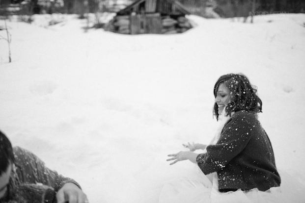 ©Ingrid Lepan Photographe - seance apres le mariage a la montagne - La mariee aux pieds nus -45