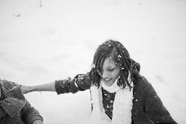 ©Ingrid Lepan Photographe - seance apres le mariage a la montagne - La mariee aux pieds nus  -47
