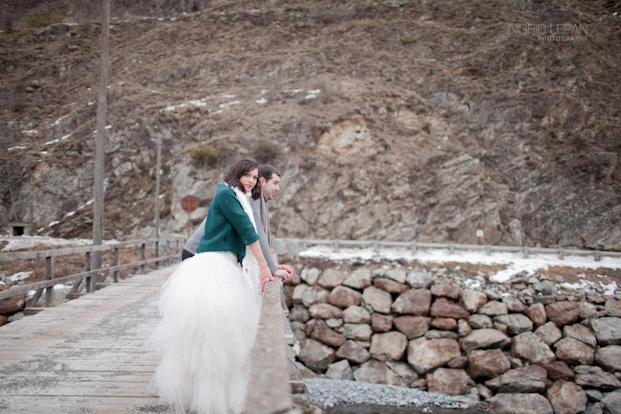 ©Ingrid Lepan Photographe - seance apres le mariage a la montagne - La mariee aux pieds nus -49