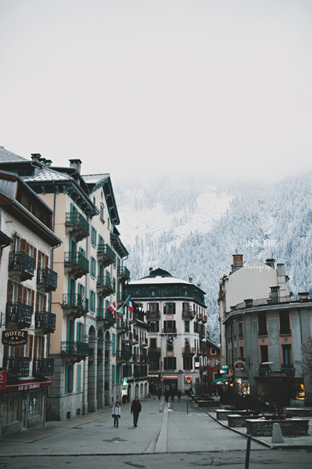 Ela &amp; the Poppies - Mariage en hiver a Chamonix - La mariee aux pieds nus