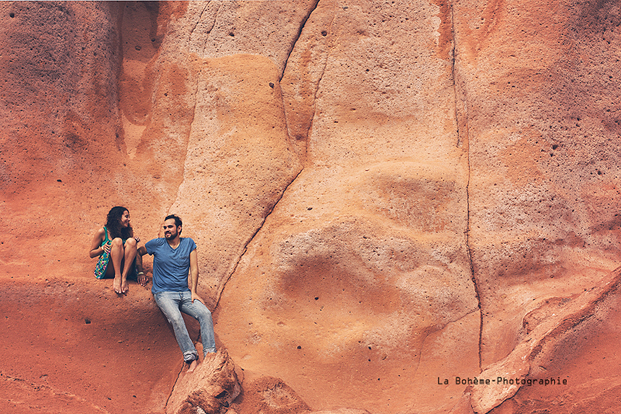 La Boheme Photographie - Seance engagement dans le desert - La mariee aux pieds nus