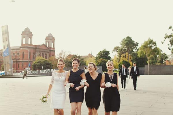 Accessoire robe noire pour mariage