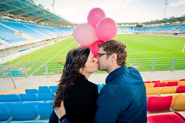 Elena Fleutiaux / Sance engagement au stade de rugby de Perpignan