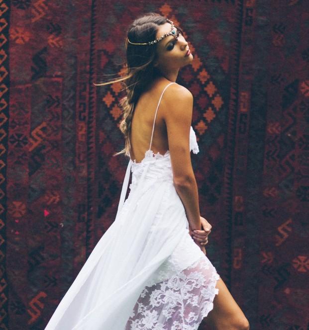 Ali Mitton - Une mariee boheme - Grace Love Lace - Robe de mariee - La mariee aux pieds nus