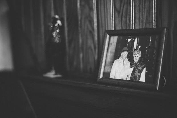 Lovely Pics - Seance photo anniversaire de mariage - La mariee aux pieds nus