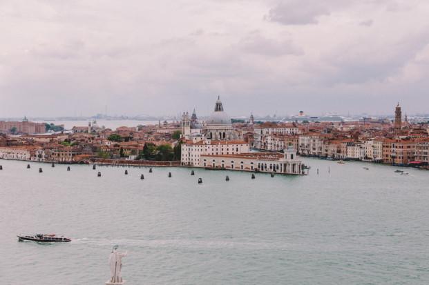 Laurent Brouzet - Une seance engagement a Venise - La mariee aux pieds nus