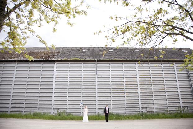 ©Les productions de la fabrik - Mariage au Manoir Saint Victor La Grand Maison - La mariee aux pieds nus