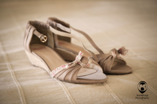 Something photography - Mariage Clos de l Orbrie - La mariee aux pieds nus
