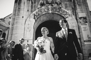 UnPlusUnPhotographie - Mariage a Paris - Maisons des Polytechniciens - La mariee aux pieds nus