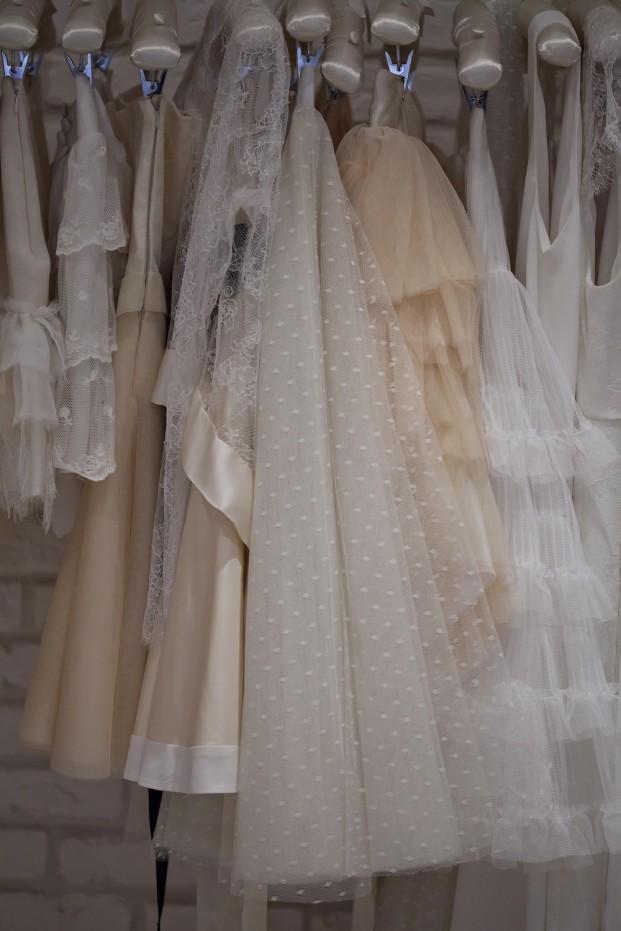 ©Trentieme Etage - La mariee aux pieds nus - Essayages chez Meryl Suissa