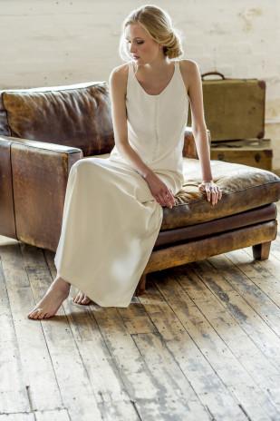 Thierry Joubert - Atelier Anonyme - Robes de mariee - Collection 2015 -  Jupe Caroline et top Estelle - La mariee aux pieds nus