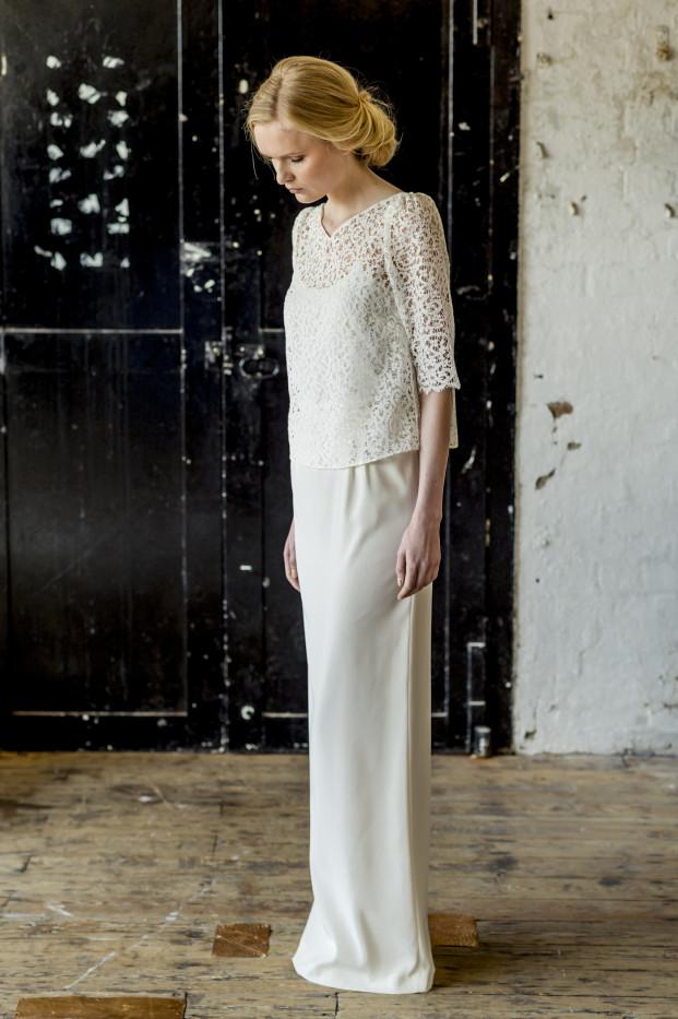 Thierry Joubert - Atelier Anonyme - Robes de mariee - Collection 2015 -  Jupe top et sur top Gloria Nola et Caroline - La mariee aux pieds nus