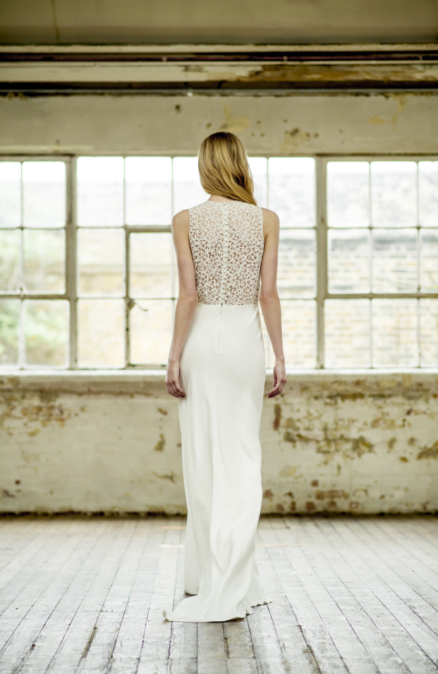 Thierry Joubert - Atelier Anonyme - Robes de mariee - Collection 2015 - Robe Isia - La mariee aux pieds nus