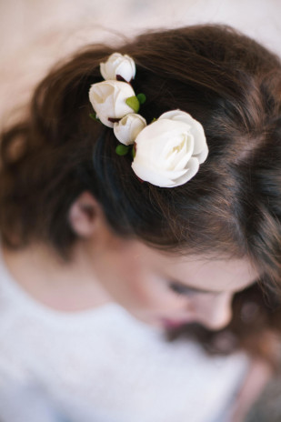 Alex Tome - La mariee aux pieds nus - English Garden - Accessoires de mariée - Peigne de mariée à fleurs - Naomi