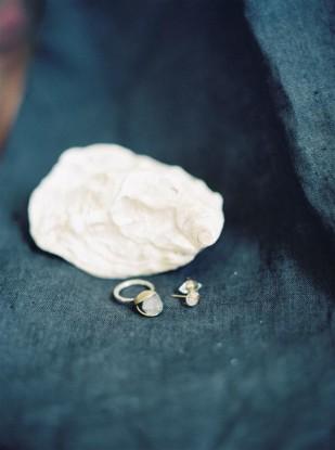 Michele Hart Photography  - Une mariee sur la plage - Inspiration - La mariee aux pieds nus