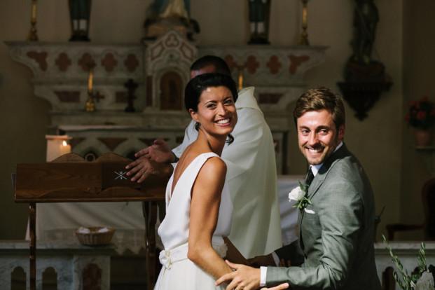 Troistudios Photography - Un mariage en Corse - La mariee aux pieds nus