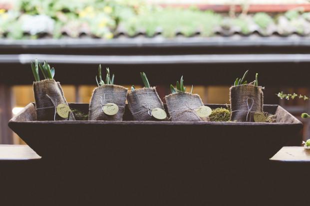 FleurdeSucre - Un mariage en vert et blanc - Inspiration - La mariee aux pieds nus