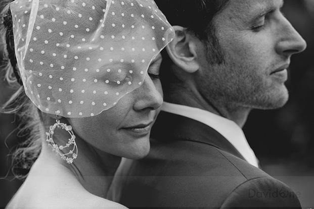 ©Davidone - Mariage a La ferme d'en chon a Biscarosse - La mariee aux pieds nus