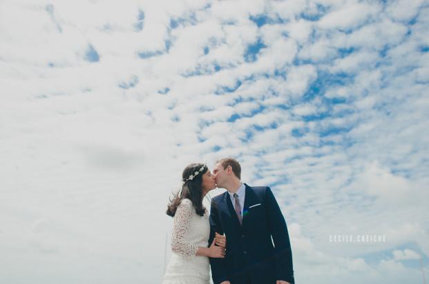 ©Cecile Creiche - Un mariage sur l ile de Noirmoutiers - La mariee aux pieds nus