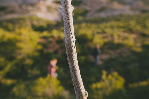 ©Ricardo Vieira - Seance engagement a la Sainte Victoire - La mariee aux pieds nus