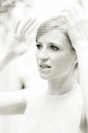 photographe_mariage_couple_preparatifs_paris_fleurdesucre_la_mariee_aux_pieds_nus-8-1