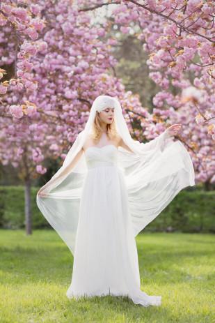 ©Claude Masselot - Accessoires de mariage Rhapsodie - La mariee aux pieds nus