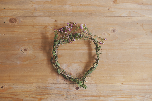 Lovely Pics - DiY Couronne de fleurs  - La mariee aux pieds nus