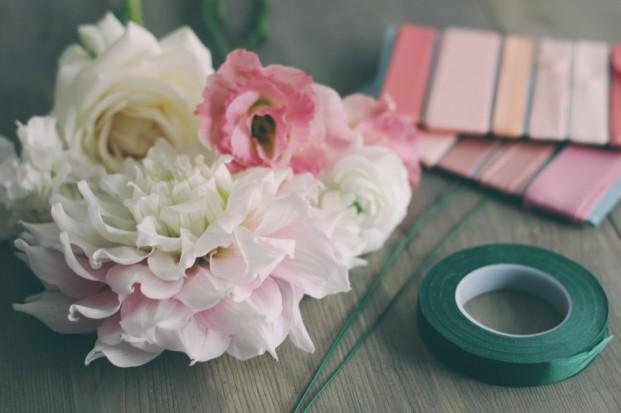 ©La mariee aux pieds nus - DiY - Fabriquer un collier de fleurs - 1
