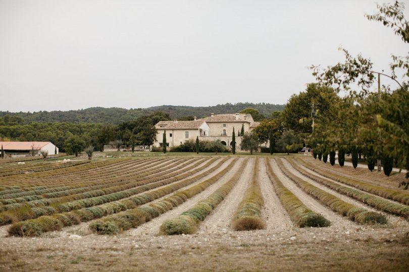 Un mariage en musique aux Domaines de Patras à Solérieux en Provence - Photos : Yann Audic - Lifestories Wedding - Blog mariage : La mariée aux pieds nus