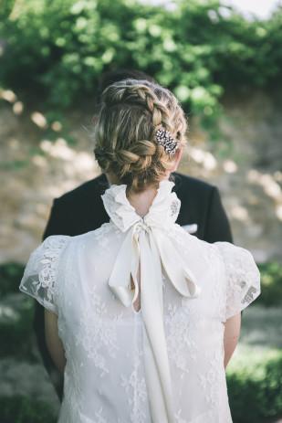 ©Lifestories Wedding - Yann Audic - Un mariage dans le Luberon - La mariee aux pieds nus