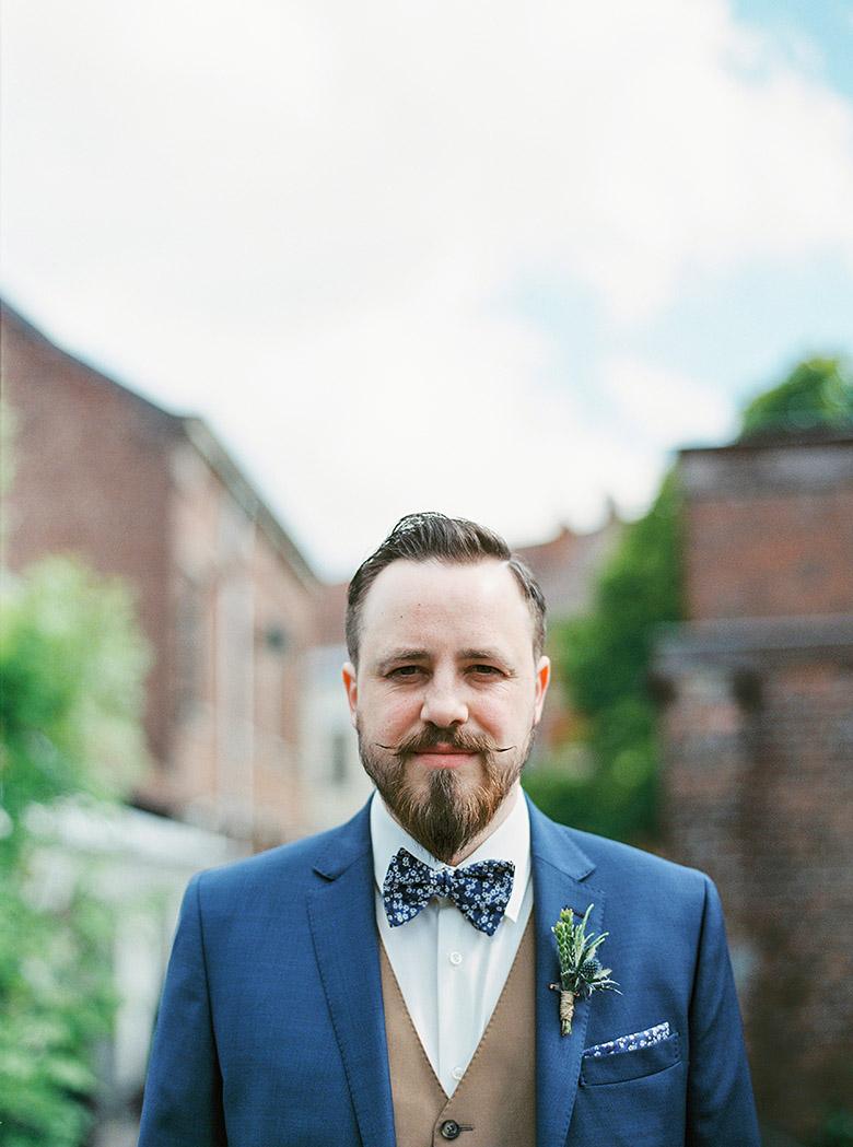michael ferire un mariage champtre en bleu corail et jaune belgique la mariee - Costume Mariage Champetre