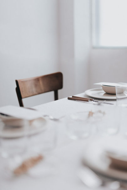 12 astuces pour réussir le plan de table de votre mariage - A découvrir sur le blog mariage www.lamarieeauxpiedsnus.com