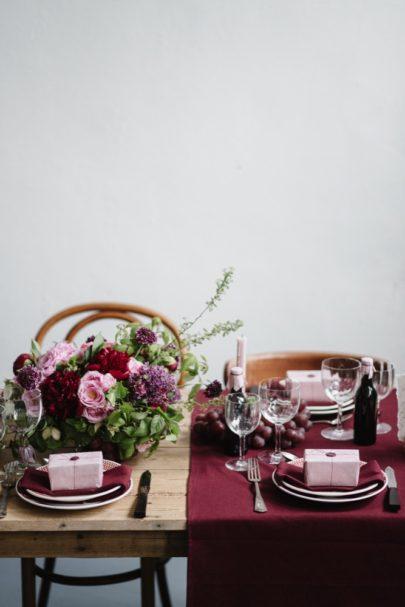 Comment choisir les vin s de son mariage et quelles quantités prévoir ? - Tous les conseils à découvrir sur le blog mariage www.lamarieeauxpiedsnus.com - Photos : Chloé Lapeyssonnie