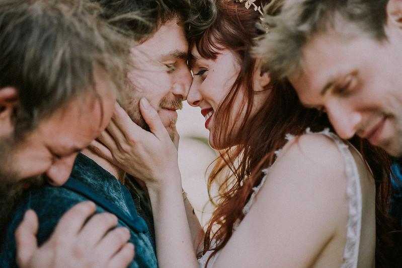 Cérémonie laïque : 7 pièges à éviter - Les créateurs de cérémonie - Blog mariage : La mariée aux pieds nus