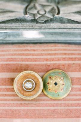 Aaron Delesie - Ou trouver un joli porte alliances pour son mariage - La mariée aux pieds nus