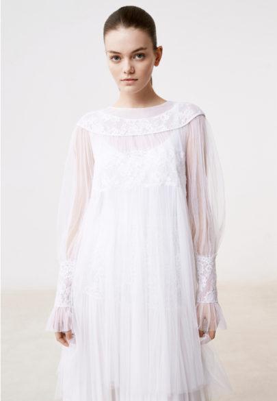 Delphine Manivet - Robes de mariée - Collection 2017 - Robe courte Alban - a découvrir sur le blog mariage www.lamarieeauxpiedsnus.com