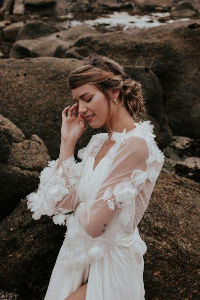 Appoline Bijoux Végétal - Accessoires de mariée - Collection 2021 - Photos : Histoires brutes - Blog mariage : La mariée aux pieds nus