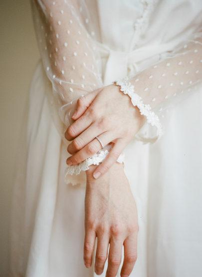 Céline Chhuon - Une séance boudoir pour la mariée - La mariée aux pieds nus