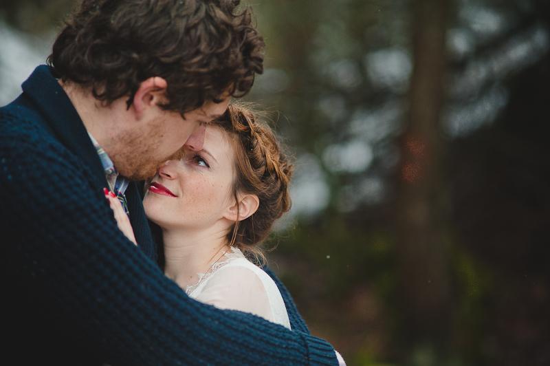 Kiss and the gang - Cecile Creiche - Un mariage colore sous une yourte en hiver - La mariee aux pieds nus