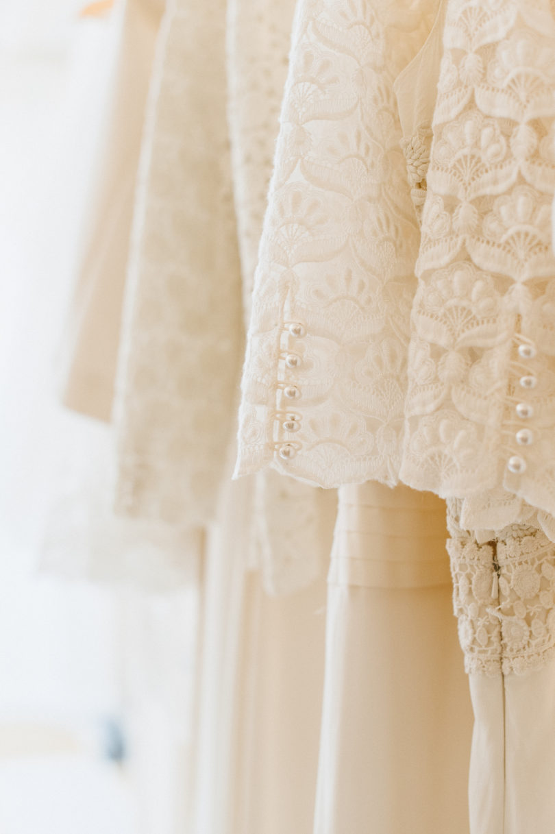 Chloe Lapeyssonnie - Visite de l'atelier de la creatrice de robes de mariee Laure de Sagazan - La mariee aux pieds nus