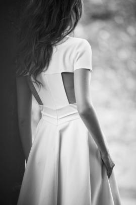Delphine Manivet - robes de mariée - Collection 2016 - Modele Achille - 2250€ - A découvrir sur le blog mariage La mariée aux pieds nus