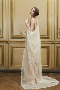 Delphine Manivet - Robes de mariee - Collection 2015 - La mariee aux pieds nus - Voile Plumetis