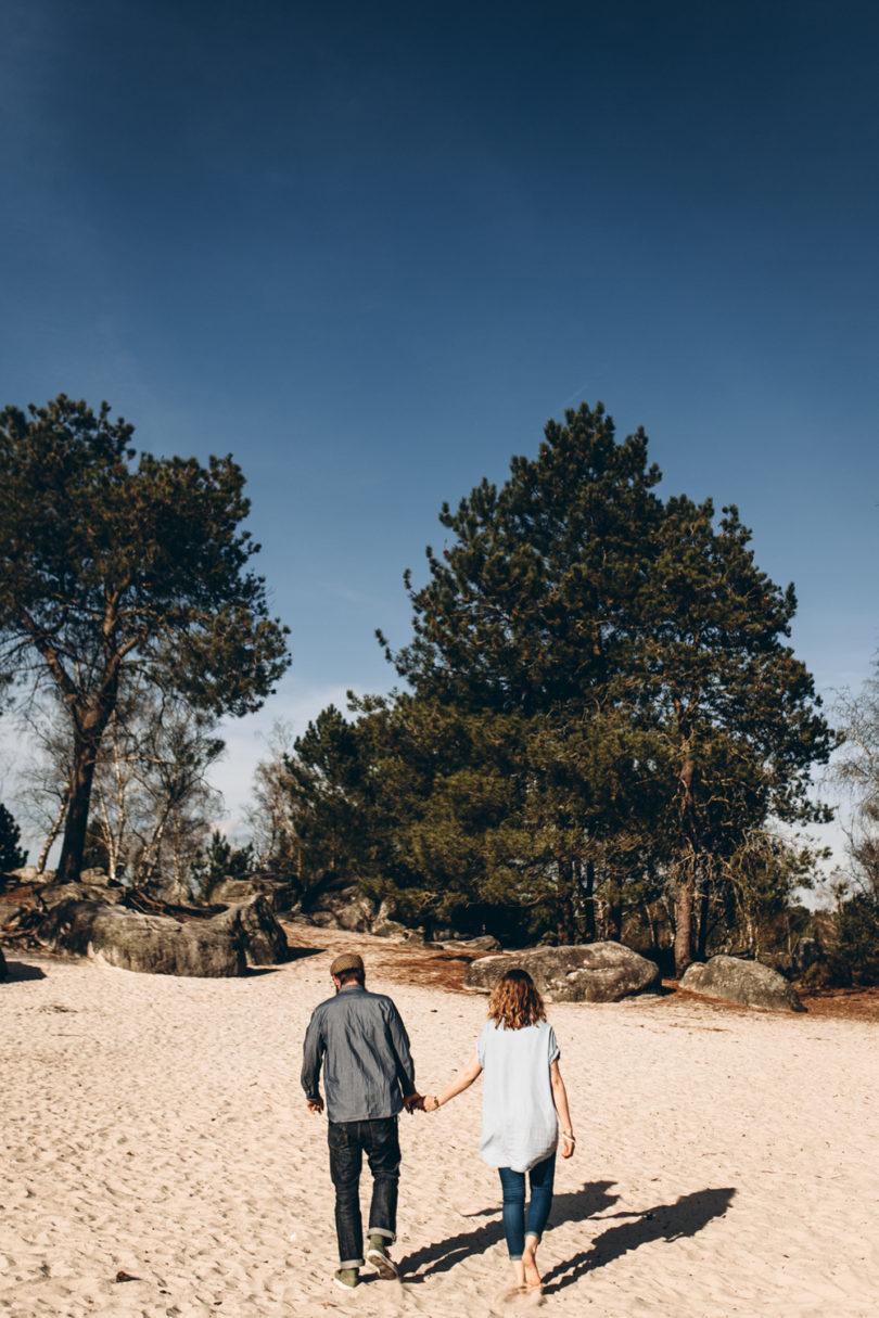 Les Bons Moments - Une séance engagement dans la fôrêt de Fontainebleau - La mariée aux pieds nus