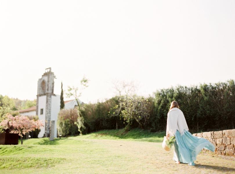 Une mariée en bleu - Shooting éditorial - La mariée aux pieds nus - Photographie et Stylisme : Brancoprata