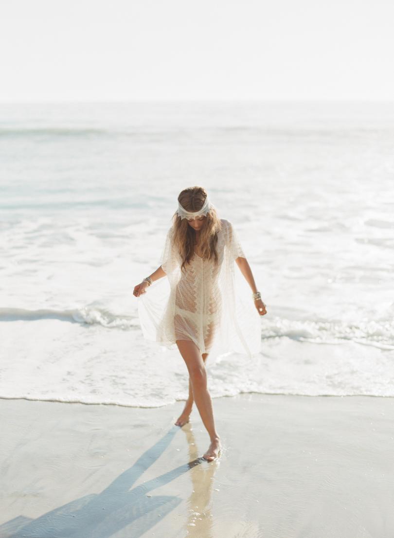 Greg Finck - La malle de la mariee - Rime Arodaky - Collection Capsule - Beachwear - La mariee aux pieds nus