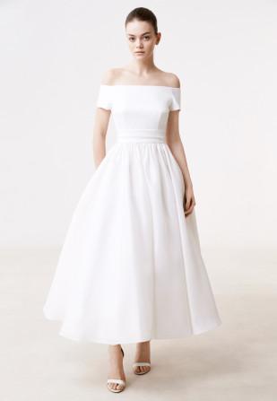 Delphine Manivet - Robes de mariée - Collection 2017 - Robe Harlon - a découvrir sur le blog mariage www.lamarieeauxpiedsnus.com