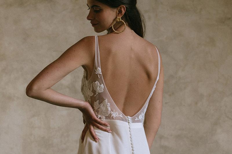 Jeanne Source : Collection 2021 - Blog mariage : La mariée aux pieds nus