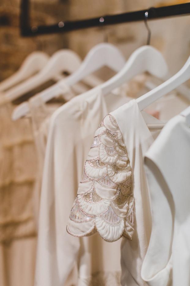 Jean Laurent Gaudy - LORAFOLK - Robes de mariee Paris - La mariee aux pieds nus