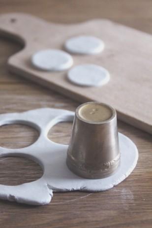 La mariee aux pieds nus - DiY - Fabriquer des petites medailles de cadeaux d invite - 5
